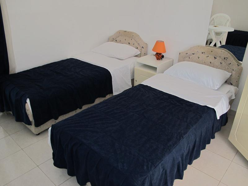 Apartments and Rooms Radovan - 92291-A4 - Image 1 - Budva - rentals