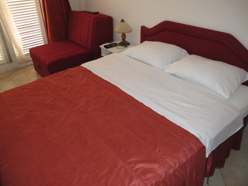 Apartments and Rooms Radovan - 92291-S1 - Image 1 - Budva - rentals