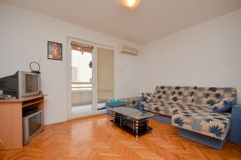 Apartment Danijela - 92861-A1 - Image 1 - Budva - rentals