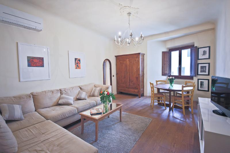 Lovely Tuscan Vacation Rental with 1 Bedroom - Image 1 - Florence - rentals