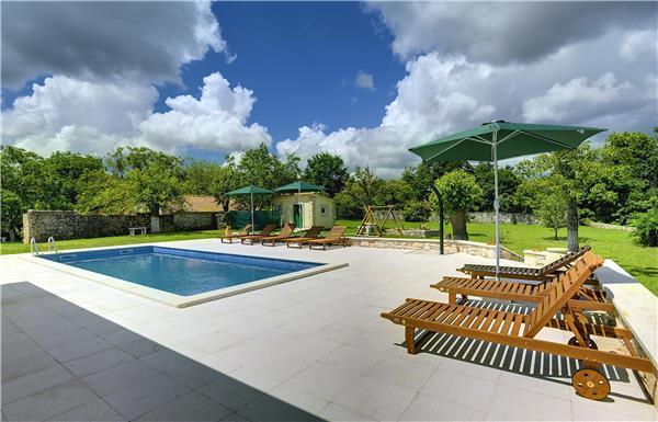7 bedroom Villa in Rojnici, Istria, Rojnici, Croatia : ref 2234044 - Image 1 - Orihi - rentals
