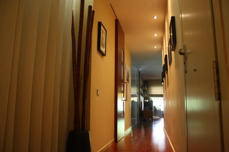 Entrace - Your home away from home. Cozy flat in Eixample - Barcelona - rentals