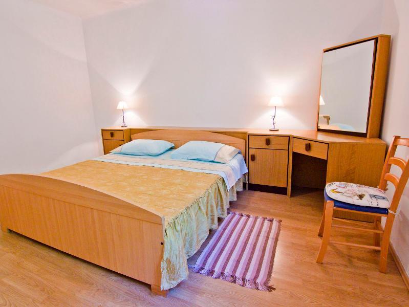 bedroom1 - Apartment near famous city beach - Split - rentals