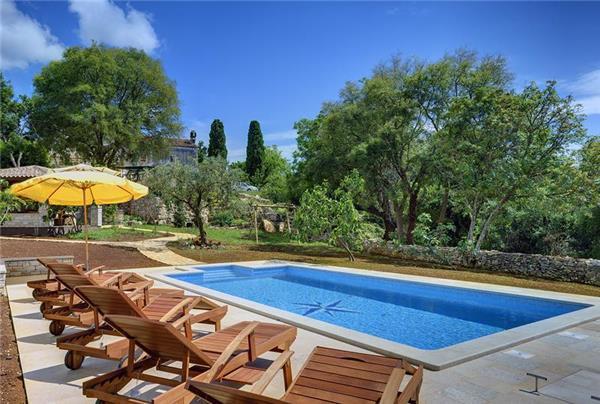 3 bedroom Villa in Valtura, Istria, Croatia : ref 2066931 - Image 1 - Valtura - rentals