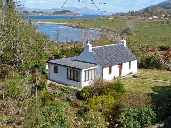 TIGH NA DROCHAID, pretty cottage, woodburner in bedroom, open fire, en-suite, burn in garden, in Port Appin near Oban Ref 13027 - Image 1 - Oban - rentals