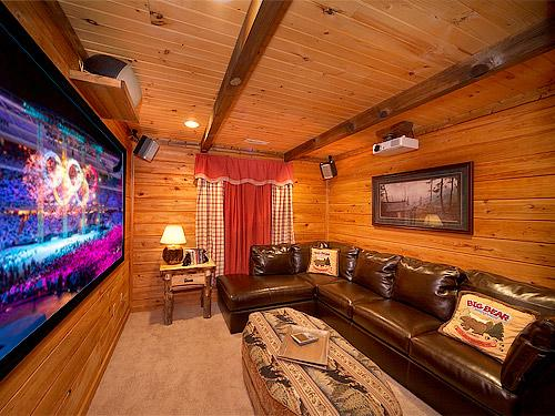 Home theater with projector - Black Bear Lodge - Sevierville - rentals