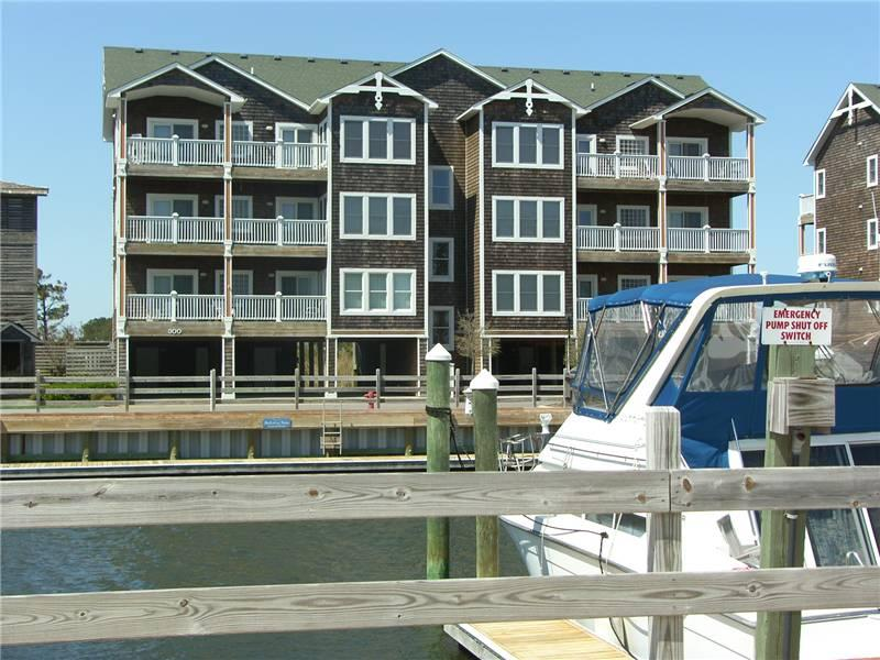 3BR with clubhouse access - Shallowbag Bay Club #301 - Image 1 - Manteo - rentals