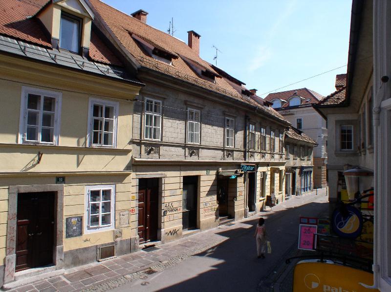 Mali trg on Trubarjeva street - Mali trg Tour As in Center 150m from Three Bridges - Ljubljana - rentals