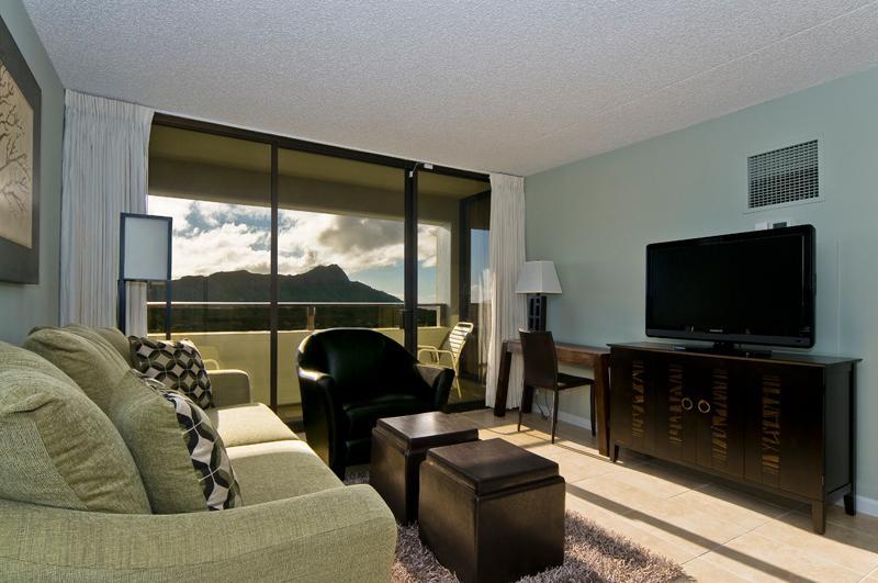 Living room with incredible Diamond Head view - Ultimate Luxury Condo - Honolulu - rentals