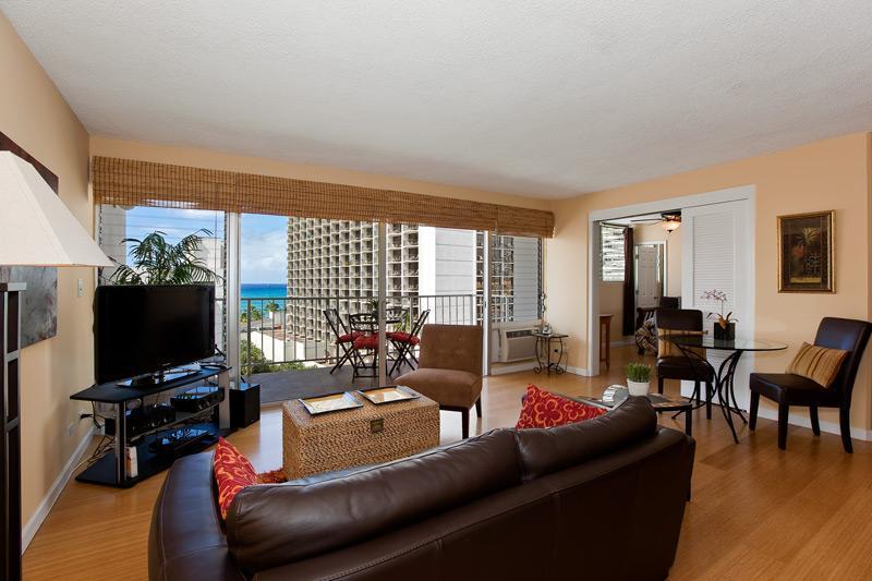 Luxury Ocean View Condo, Great Location - Image 1 - Honolulu - rentals