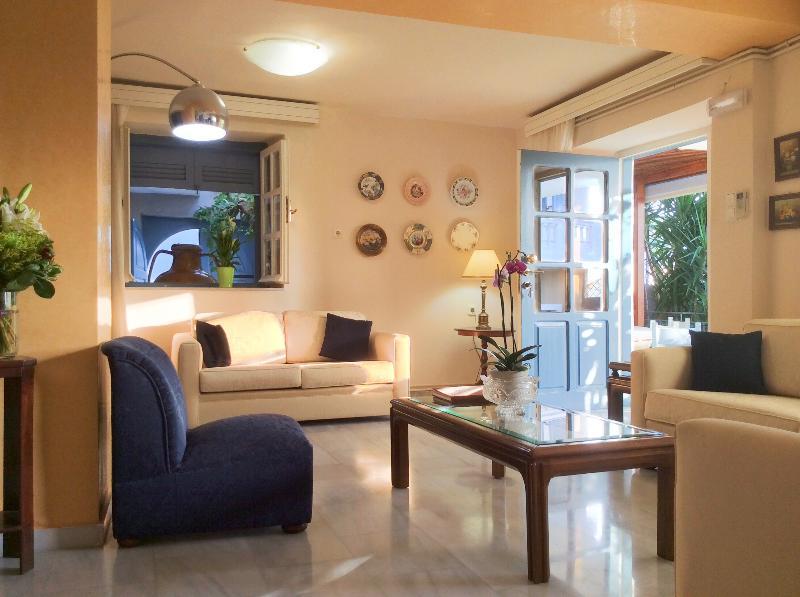 Lounge area - Villa Athena Kallergi - medieval village of Loutra - Rethymnon - rentals