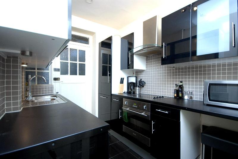 Kitchen - MARBLE ARCH ONE BEDROOM FLAT (Suits 2-4) - London - rentals