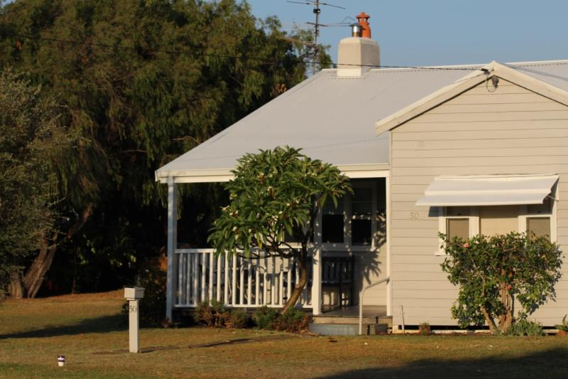 Maisies Cottage - Traditional Workers Cottage - Stroll to the beach - Maisies Cottage Busselton - Margaret River Region - Busselton - rentals