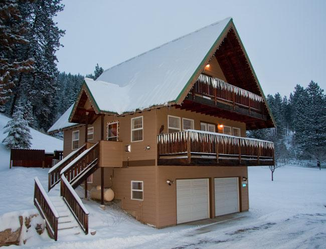 Chalet in Winter - Adorable Eagle Creek Chalet, 2 mi from Leavenworth - Leavenworth - rentals