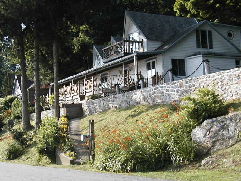 Comfortably Numb in June - Comfortably Numb - 5BR Waterfront Home on 6 acres - Hellam - rentals