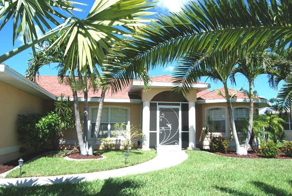 Canalfront home Nora with heated pool - Image 1 - Cape Coral - rentals