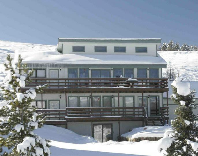 Lots of Snow - Large Home-Great Views/Sleeps 19/Outdoor Hot Tub - Tabernash - rentals
