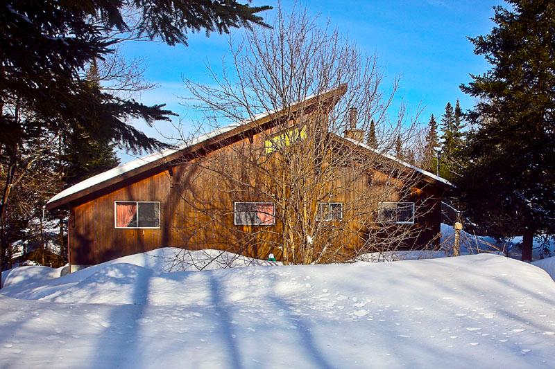 Winter 2013 - SPLENDID SKI CHALET LAKEFRONT ,  Laurentians - Morin Heights - rentals