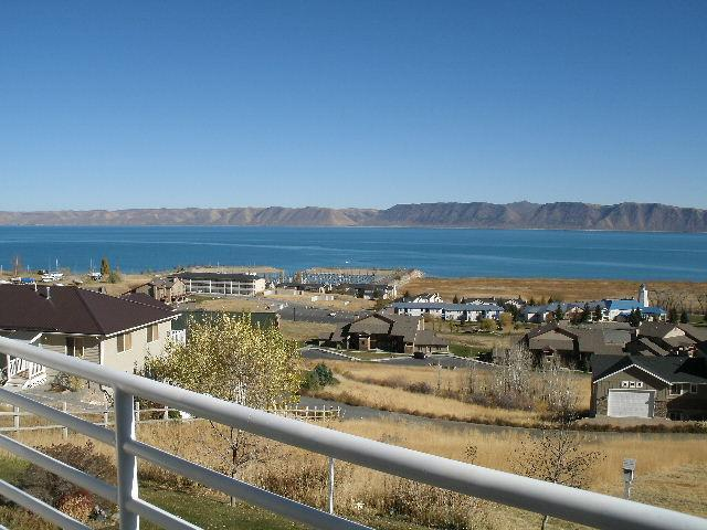 HV-Master bedroom balcony view- 2 bedroom - 2 bedroom Condo Overlooking Bear Lake,Utah - Garden City - rentals