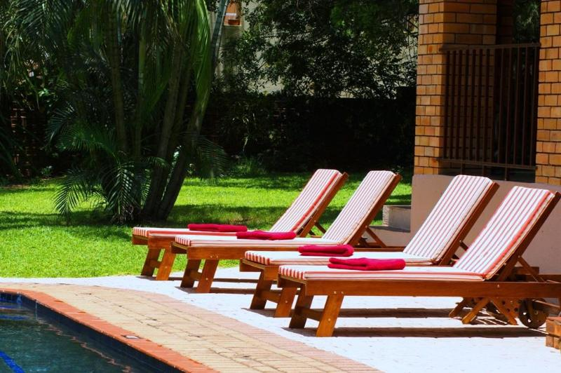 Sunbeds - Dreamfields Guesthouse - Hazyview - rentals