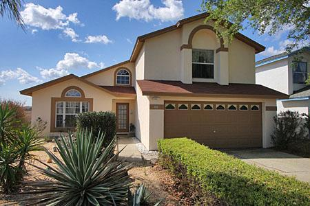Front of Property in a quiet Cul-de-sac - 4 Bedroomed Luxury Villa 4 miles from Disney - Kissimmee - rentals