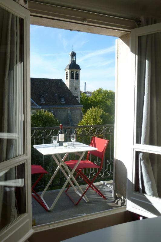 Little lovely table to enjoy tea or coffee - Saint Germain - Two bedrooms - Paris - rentals