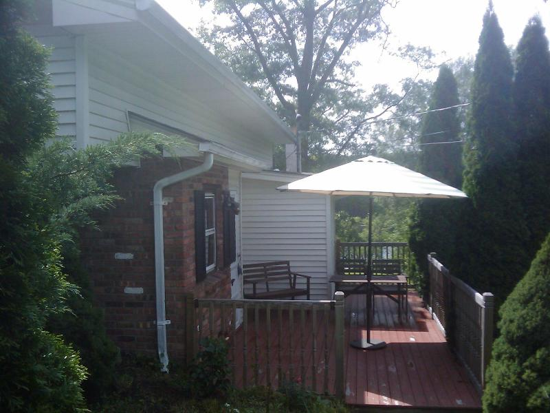 Lake house entrance - Charming lakefront w/pool/cedar sauna/pedal boat - New Windsor - rentals