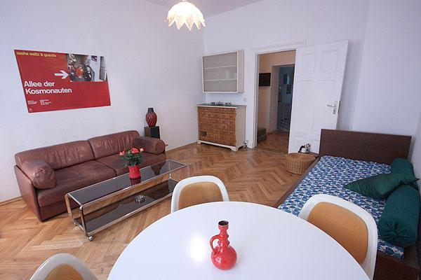 L Cozy Apartment Rental at Mitte in Berlin - Image 1 - Berlin - rentals