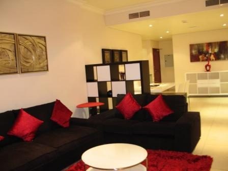 Living Room - Luxurious 1-bedroom at Dubai Marina, sleeps 4 - Dubai - rentals