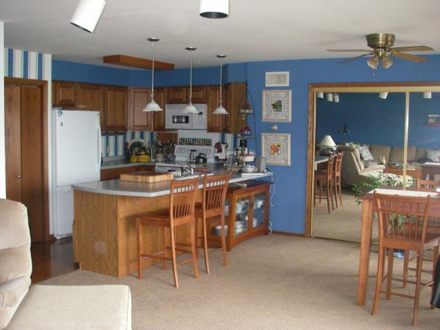 Kitchen in Unit #9 - Nice 2 or 4 Bedroom Rental on Portage Lake - Houghton - rentals