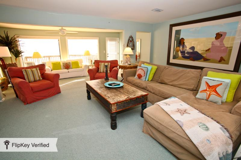 Spacious, Comfortable Main Living Room, Two Queen Sleepers, 46