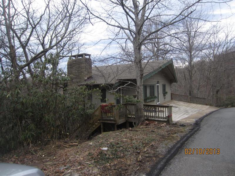 Caleb's Outlook, peaceful and quiet - Grandfather Mountain view! Close to Parkway - Blowing Rock - rentals