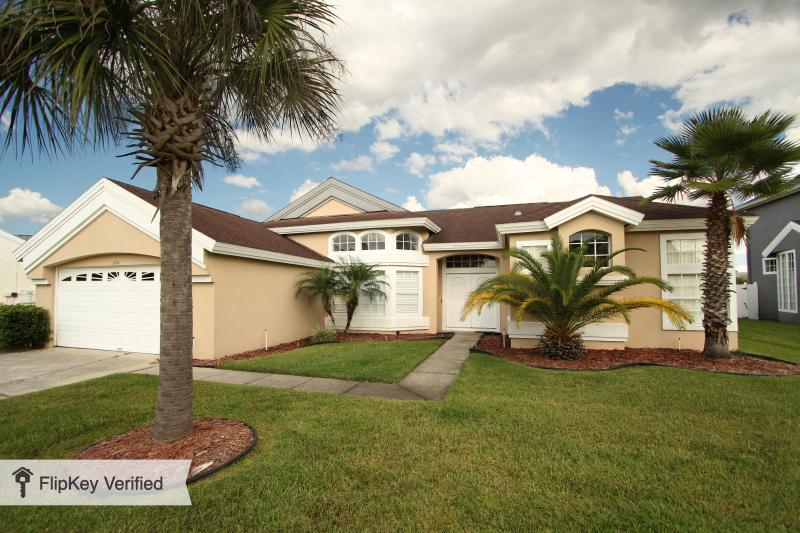 Large 5 bedroom Disney vacation home 2300 sq. feet - Disney Pet friendly vacation home large pool - Kissimmee - rentals