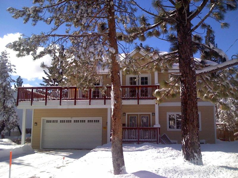 Front of Cabin - 5***** Star luxury at a Bargain Price - South Lake Tahoe - rentals
