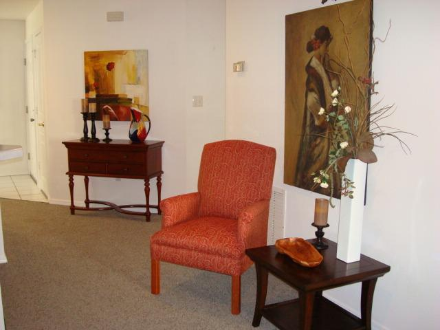 Paintings are original oils - New Listing-Centrally Located-Spacious-Luxurious - Branson - rentals