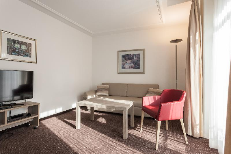 Living Room - EMA house Serviced Apartment, Beckenhofstr.22, 2BR - Zurich - rentals