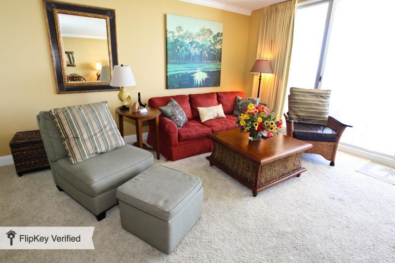 Beautifully Decorated 1 Bedroom Condo at Emerald Beach Resort - Image 1 - Panama City Beach - rentals