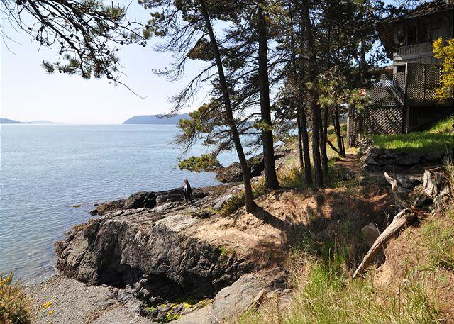 A ramped set of steps leads from the home to the rocky ledges, below. - Waters Edge at Doe Bay on Orcas Island - Olga - rentals