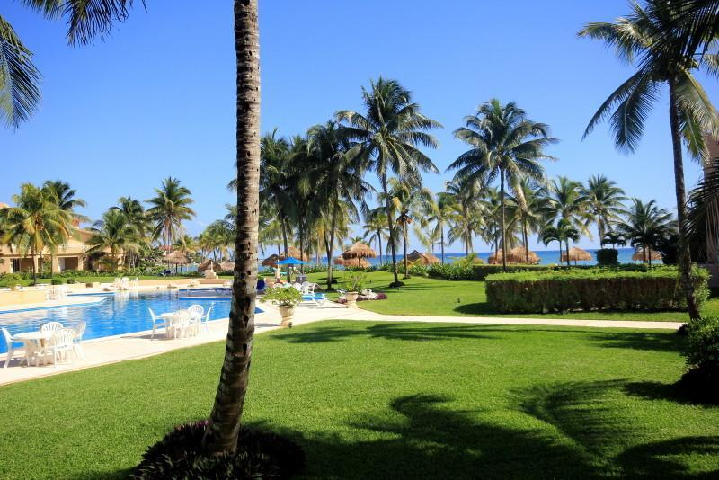 Gorgeous Views - GROUNDFOOR 3 BR OCEANFRONT WIFI POOL ON OCEAN!!!! - Puerto Aventuras - rentals