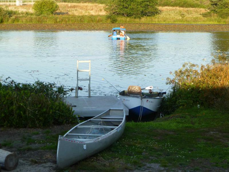 Kayaking, Canoe, paddel boat, fishing boat, Booce Ball court, Horseshoe Pitportable dock - Lake Front,Canoe,Fishing&Pedal Boat,sauna,pool tbl - Seaside - rentals