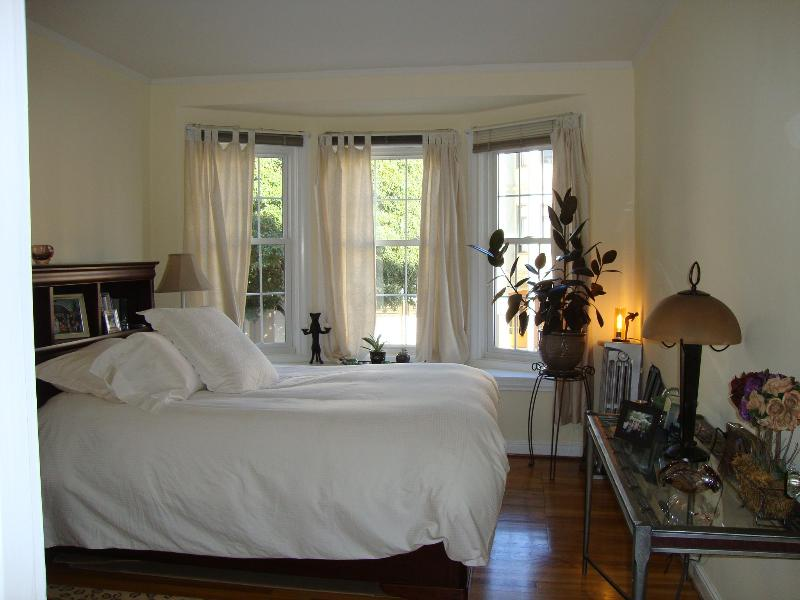 Luxurious bedroom - Elegant Flat - Urban Oasis! - San Francisco - rentals