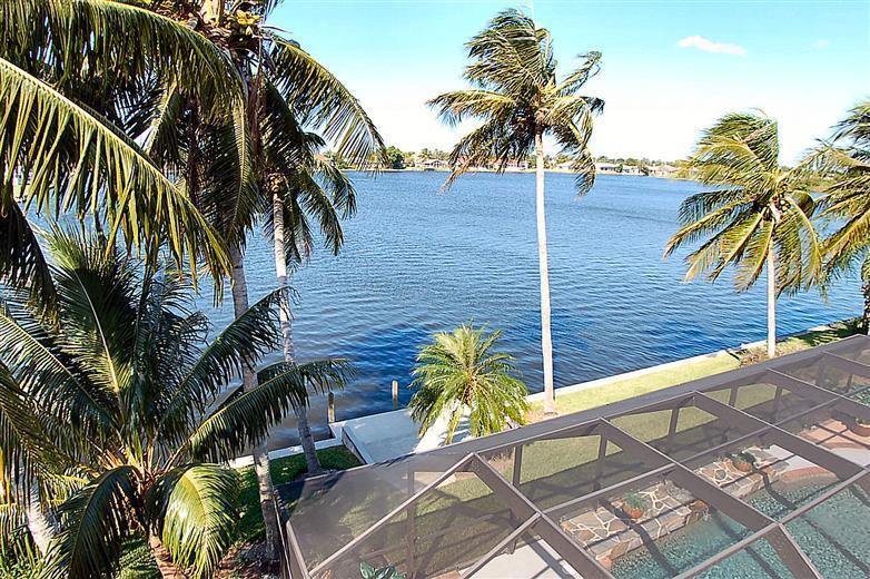Lake Front - **The Best Florida Vacation Fun** Waterfront/Pool, - Cape Coral - rentals
