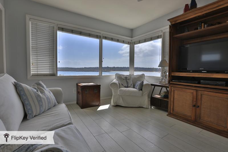 Ocean views, 1/1 condo in Mission Beach San Diego - Image 1 - Pacific Beach - rentals