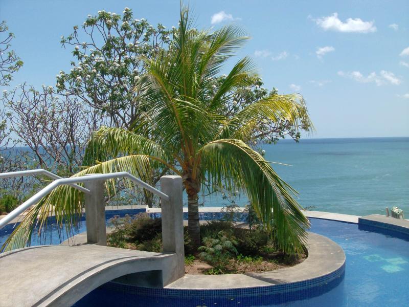 Tara, Cliff Top, Ocean Front Home - Image 1 - Tola - rentals
