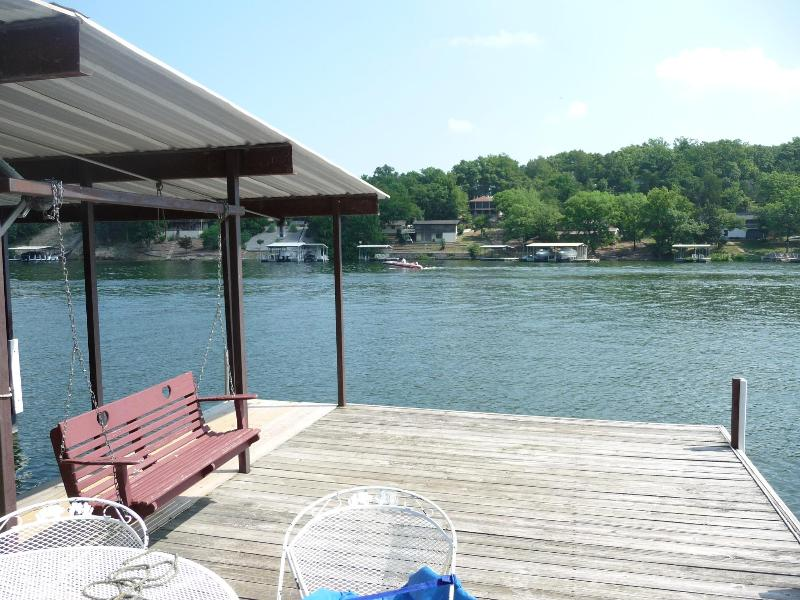 Great Lakefront Home in Back Water Jacks Cove - Image 1 - Osage Beach - rentals