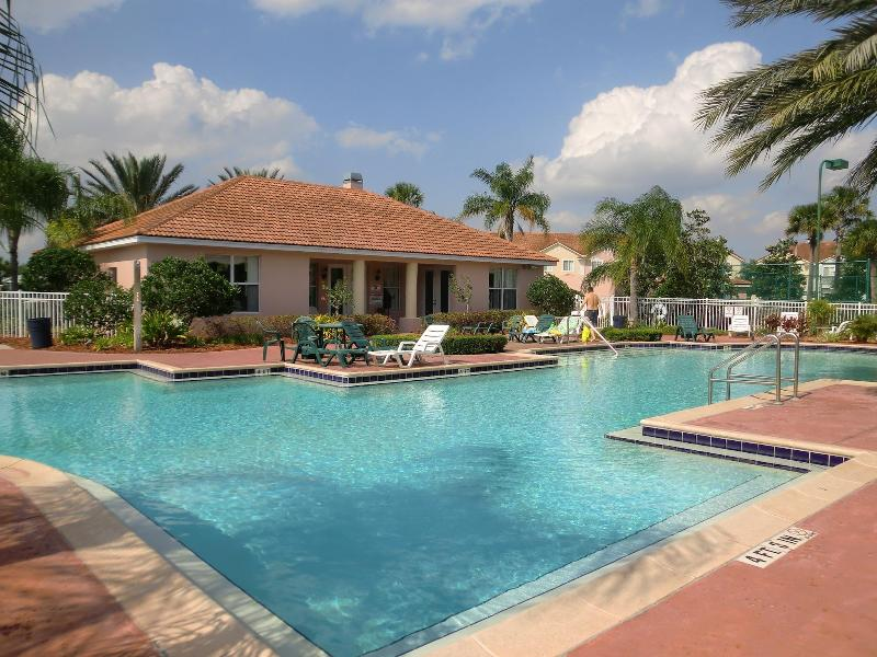 Coummnity Club House Pool - Fiesta Keys Resorts - Kissimmee - rentals
