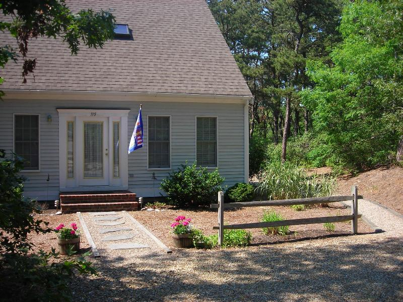 Entry to home - Contemporary Cape- pond path close by- Internet - Wellfleet - rentals