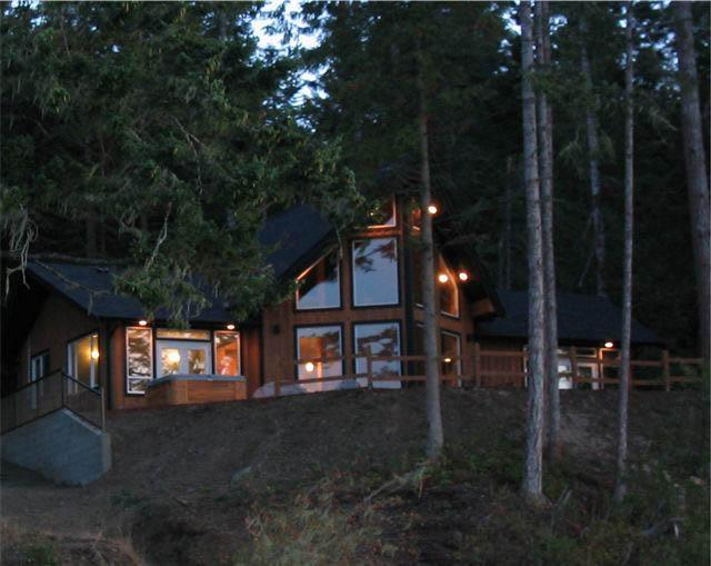 Heron Point House - Image 1 - Sooke - rentals