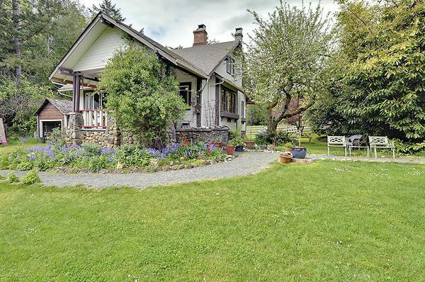 Malahat Farm Cottage - Image 1 - Sooke - rentals