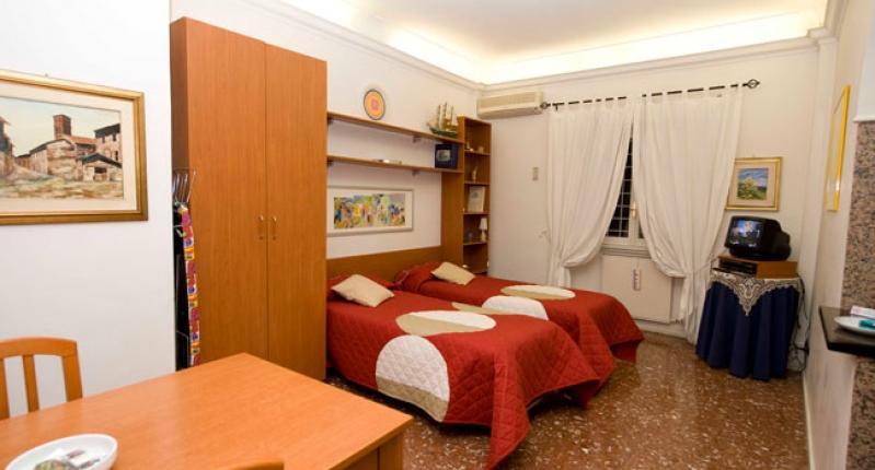 soggiorno_b-462-0.jpg - Gordiani - Rome - rentals